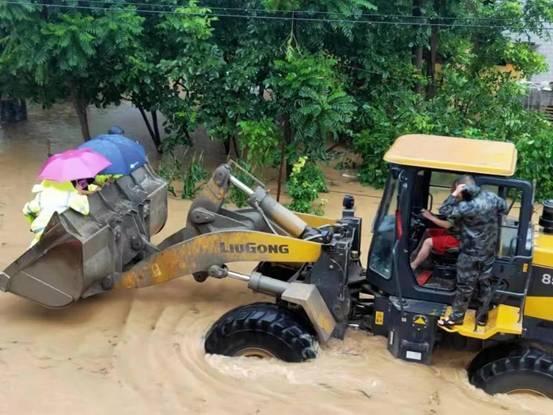 清晨SUKA酥咔,捐款、捐物超300万,清晨SUKA董事长李庆南,风雨同舟,我们为河南加油!