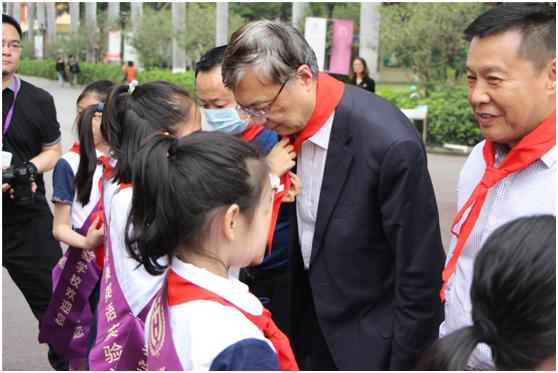"""中国科学院院士、""""墨子号""""常务副总设计师王建宇与华美学校学子面对面聊""""量子科技"""""""