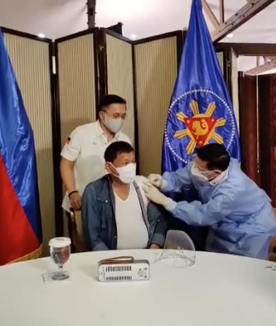 △图片来源:菲律宾参议员克里斯托弗·吴的社交媒体直播截图