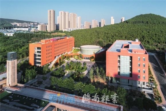 """匠造高品质绿色建筑,济南市住建局正实践着一场以""""绿色""""为底色的质的飞跃"""