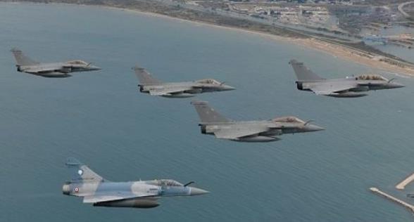 法军试飞最新升级版阵风战机 配有源相控阵雷达