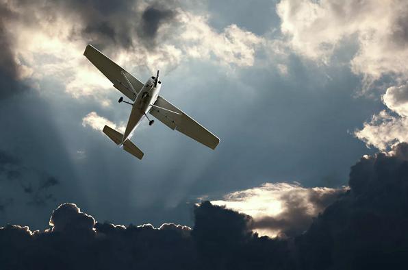 俄一架轻型飞机与地面失联
