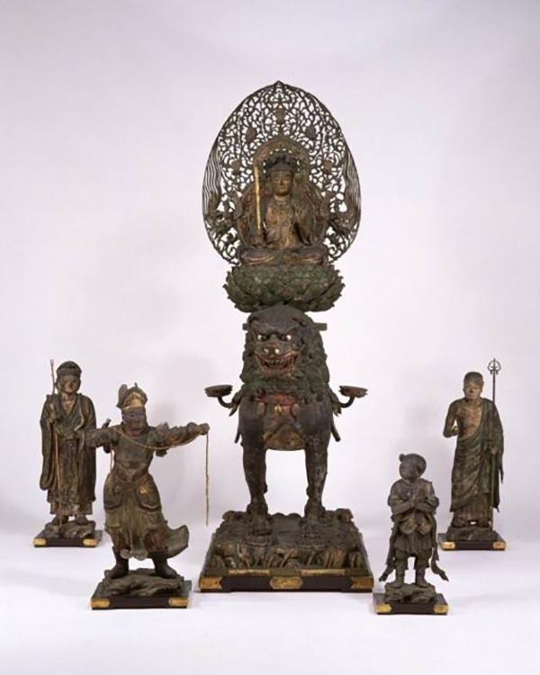 东京国立博物馆藏木造骑狮文殊菩萨及胁侍像(C-1854)