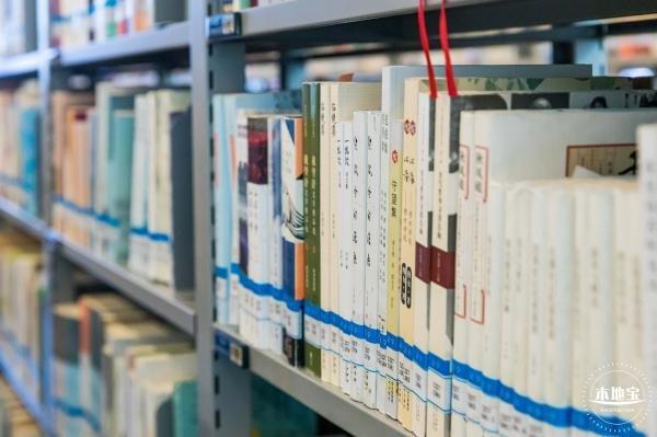深圳东坑社区图书馆2月22日起正式开放运行 馆舍全面翻新装修