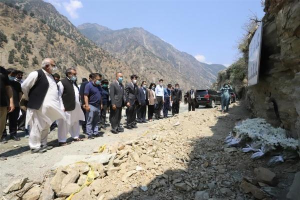 中国工作组吊唁遇难同胞