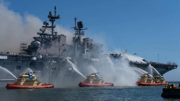 """美军水兵被指控放火烧毁""""准航母"""""""