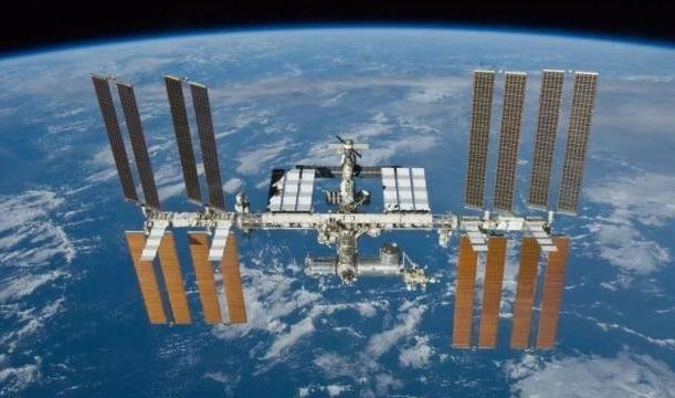 俄高官:未来俄罗斯空间站或将用于开发月球