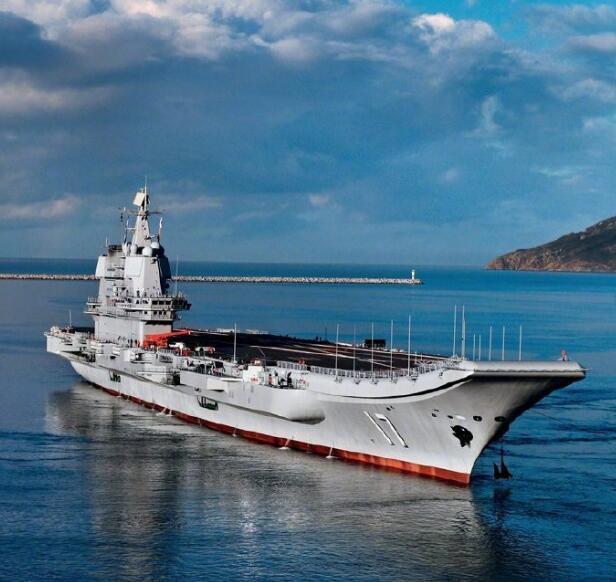 台防务部门证实:山东舰今日通过台湾海峡