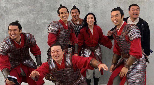 刘亦菲晒照庆祝《花木兰》推出一周年 分享幕后照