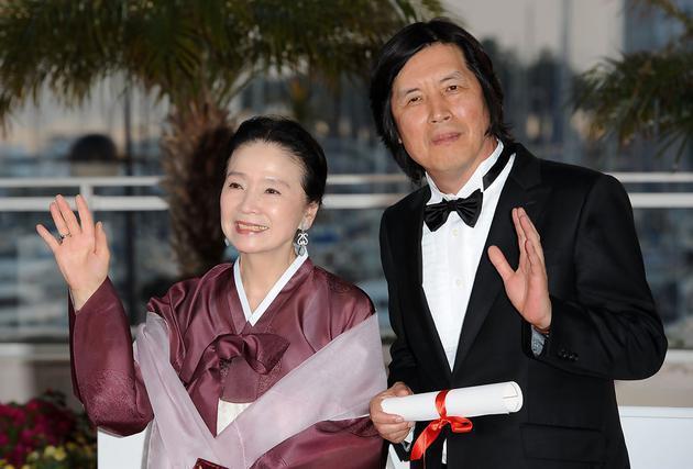 77岁韩国演员尹静姬因阿兹海默被遗弃 丈夫女儿都不管