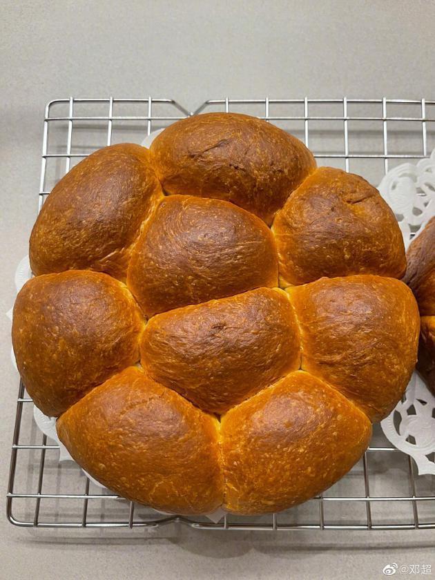 邓超深夜被孙俪拖起来烤面包:只让看不让吃