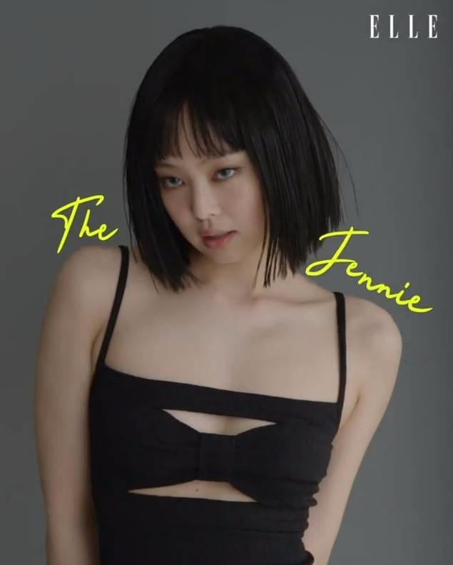 JENNIE短发造型曝光 黑发齐刘海甜美酷飒