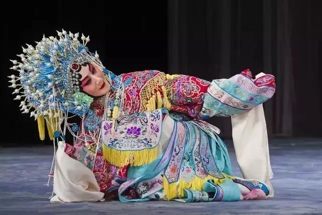 中秋节了 大家都说戏曲里的中秋很精彩!