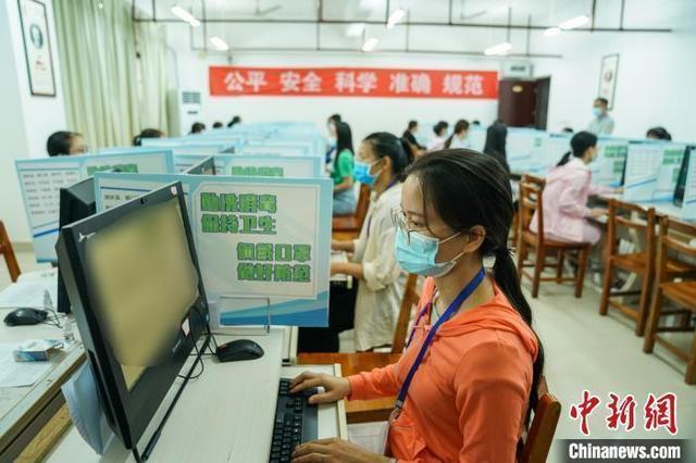 2021年高考倒计时:各地紧盯防疫与考纪
