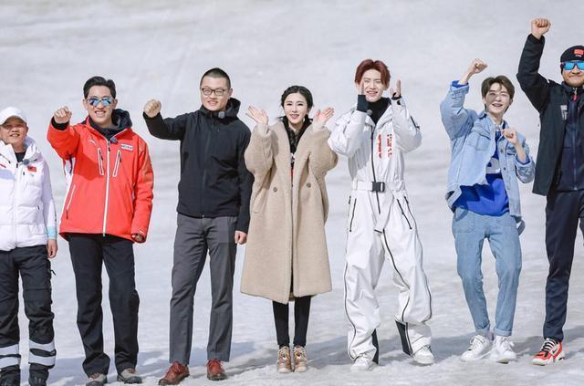 """伊丽媛接棒蔡徐坤 化身""""打工人""""继续揭秘冬奥场馆"""