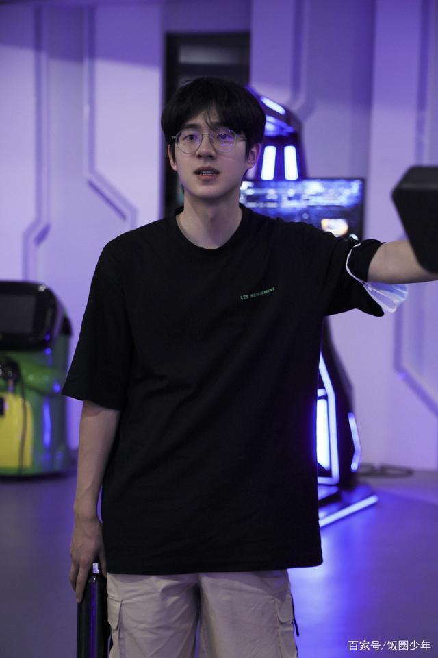 刘昊然遭AI换脸侮辱诽谤 工作室已向警方报案