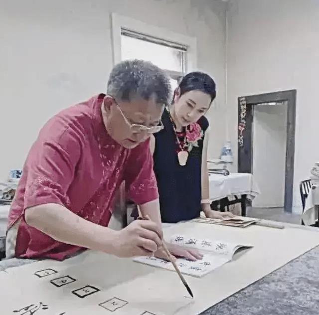 刘晓庆书法两个字卖2888 一幅作品曾拍卖高达108万