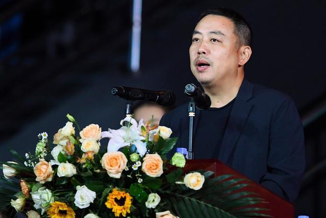 刘国梁寄语丁宁:点亮自己 照亮别人 已去北大上学