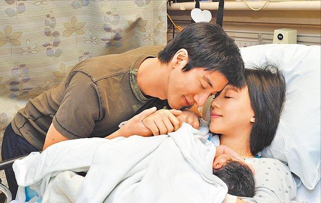 王力宏夫妇罕见合体带仨娃出游 小儿子首次曝光