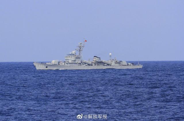 海军昭通舰退役暨移交仪式在三亚某军港举行
