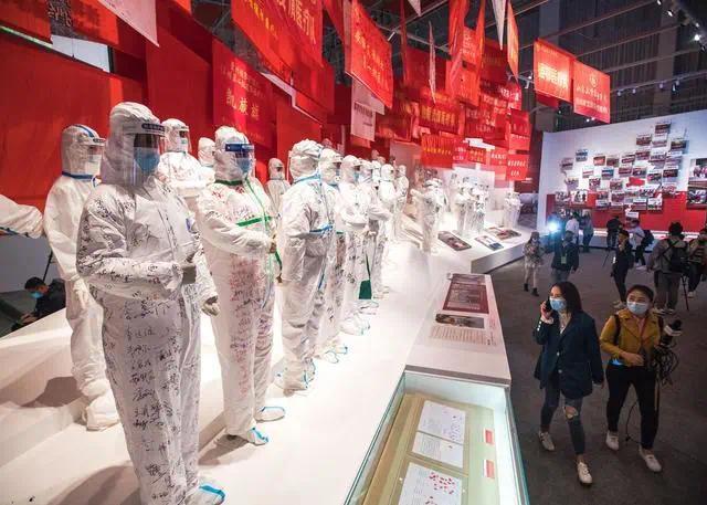 湖北武汉:矗立在英雄城市的精神丰碑