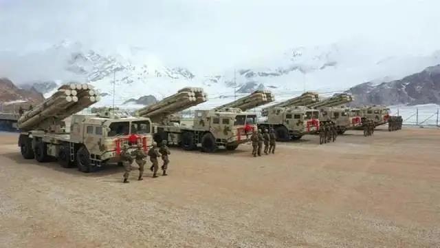 新疆军区又双叒换装!列装11式突击车