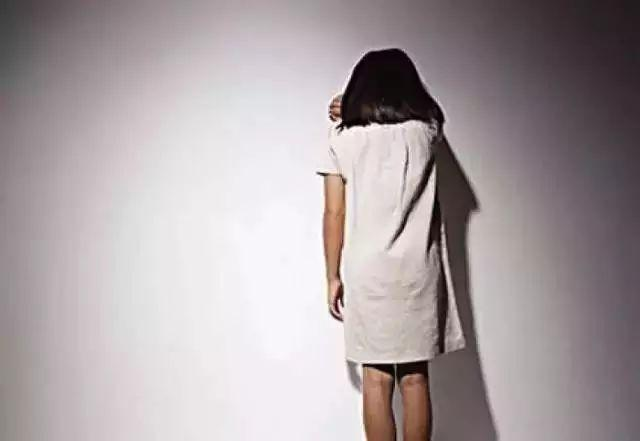 贵州21岁女子遭医院院长强奸后割腕自杀,获赔6万元后表示谅解