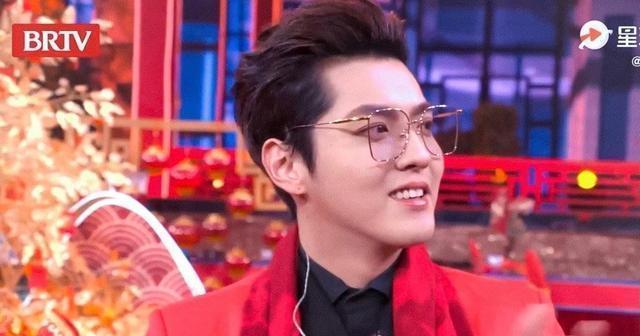 吴亦凡在台下看李雪琴演小品 又一位追星赢家!
