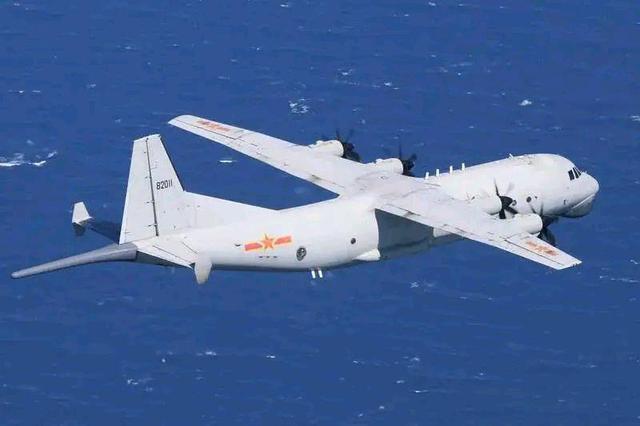 时隔4天解放军军机再度巡航台湾 台空军广播驱离