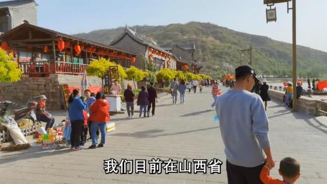 """他在中国过""""五一"""",外国网友羡慕了"""