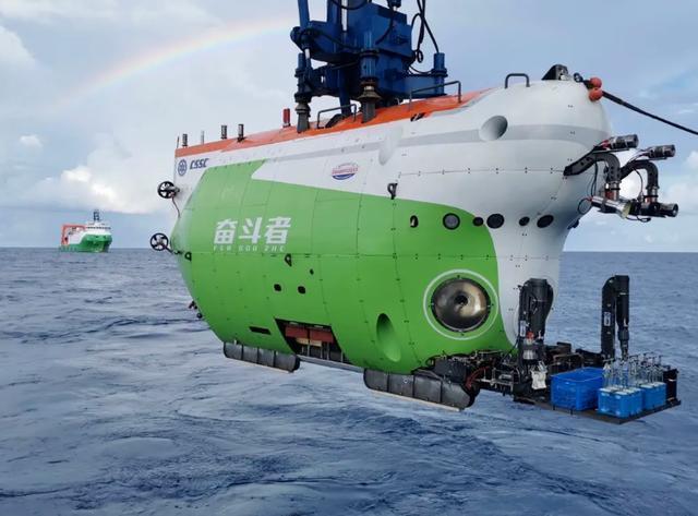 """挑战全球海洋最深处,""""奋斗者号""""都有哪些过人之处?"""