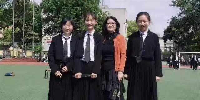 """武汉大学""""喊话""""白血病考生:珞珈山下见"""