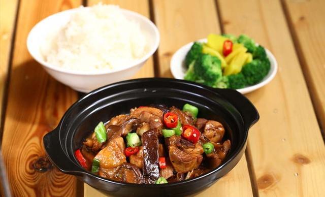 攻占全球的黄焖鸡米饭,来自山东济南!