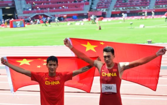 朱亚明获得男子三级跳远银牌