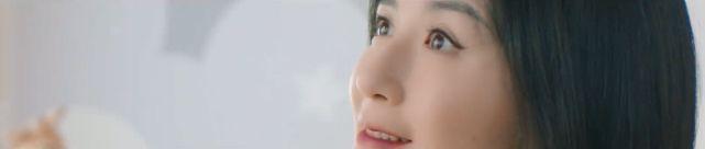 谢娜挺孕肚拍广告 化精致妆容气质更温婉