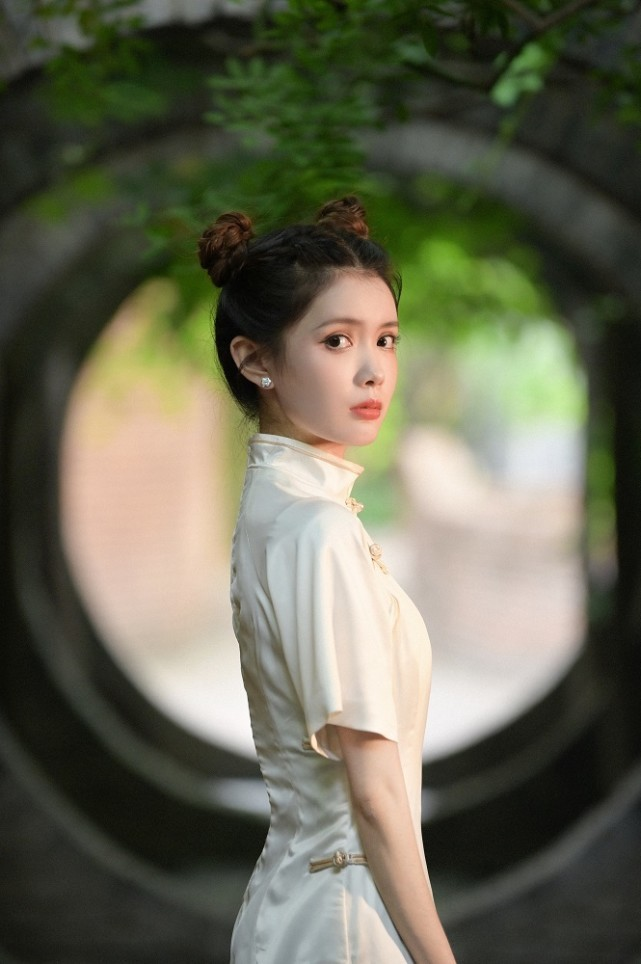 张童欢首支单曲《蓝色童话》浪漫上线