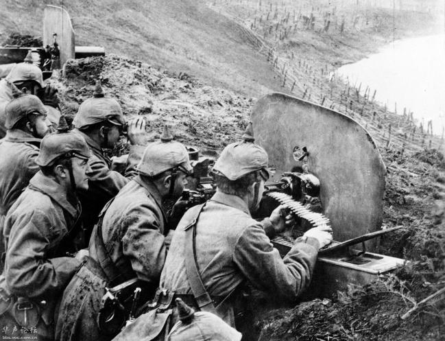 苏德战争才是真正的绞肉机,夺去了3000万人的生命