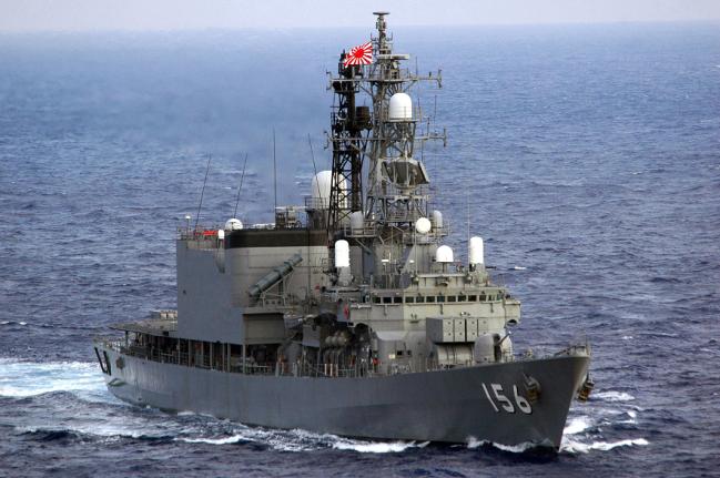 """日本""""濑户雾""""号驱逐舰昨日穿越南沙"""