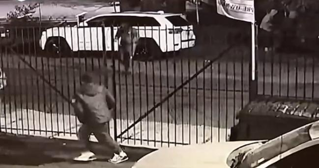 美国一汽车经销商连续两个月失窃 窃贼为同一伙人