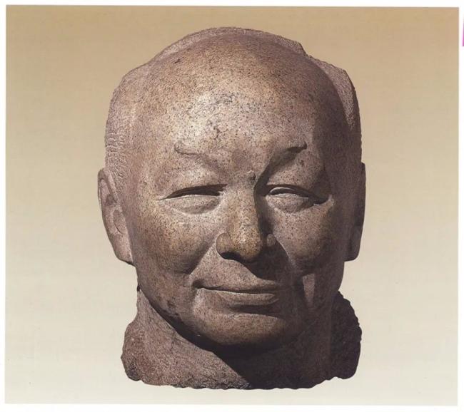 钱绍武 《江丰像》 花岗岩 1984年