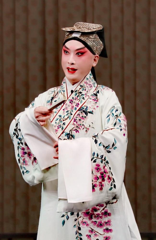 金喜全在京剧《红娘》中的张君瑞扮相
