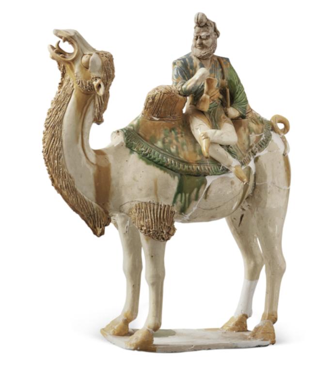 三彩骑驼奏乐,唐,通高 50.1 厘米,长 40.5 厘米,2002 年西安市长安区郭杜镇唐墓出土,西安博物院藏