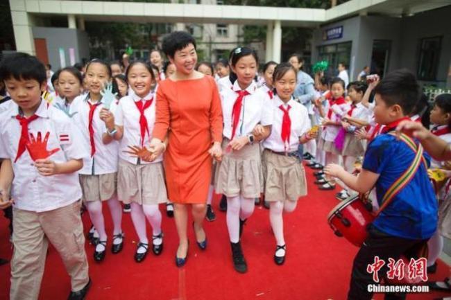 涨工资减负担,1792万中国教师查收好消息