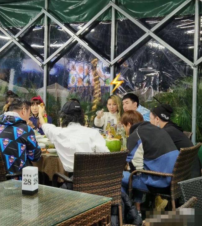 再传婚变!李玟缺席家庭聚会 富商老公陪女儿出游
