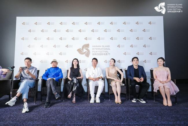 陈都灵电影《热汤》首映引热议 文艺气质亮眼被赞演技进步