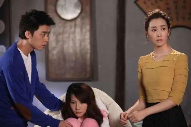 李易峰方否认与方安娜恋情:只是好友 自媒体造谣