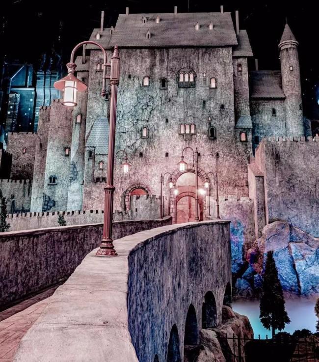 《精灵旅社》落户主题乐园 德古拉伯爵变身导游