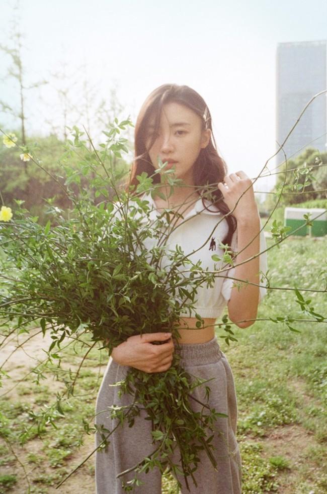 张月绿光森林写真 为元气女孩疯狂心动