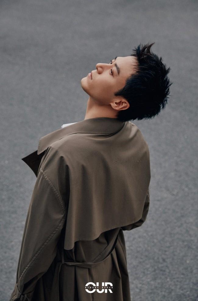 茅子俊时尚街拍释出 型男风度简约有质