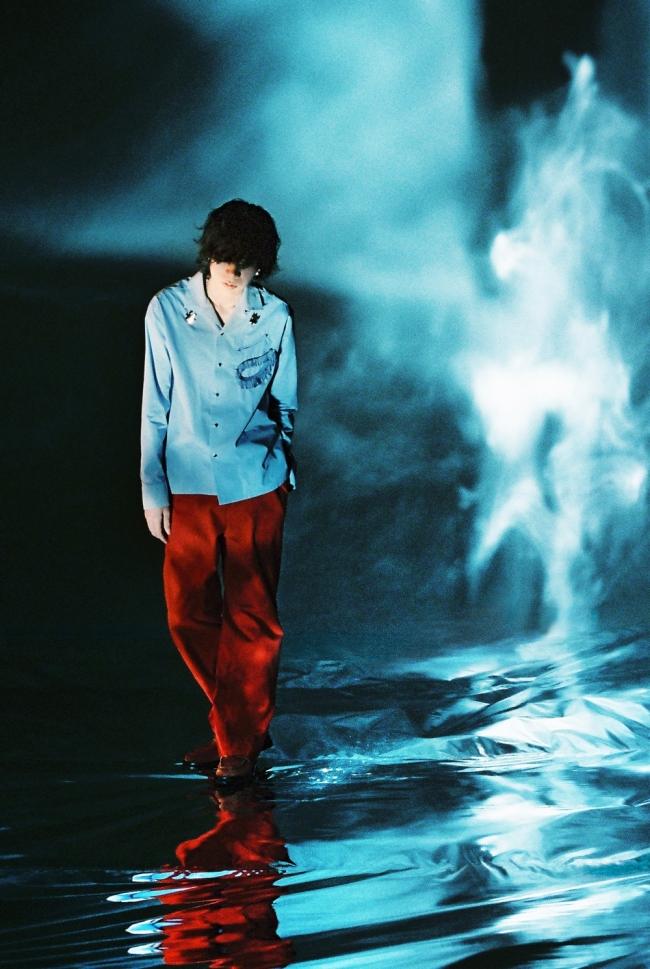 日本创作歌手、音乐制作人米津玄师新歌《Pale Blue》全球发行